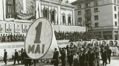 Cum se sărbătorea 1 Mai pe vremea lui Ceauşescu. Manifestaţii grandioase cu mii de muncitori