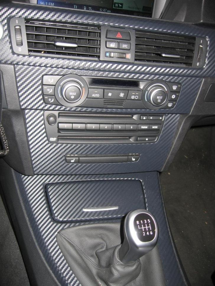 Cele mai URÂTE accesorii de maşină pe care le folosesc şi românii. Sunt kitsch-uri