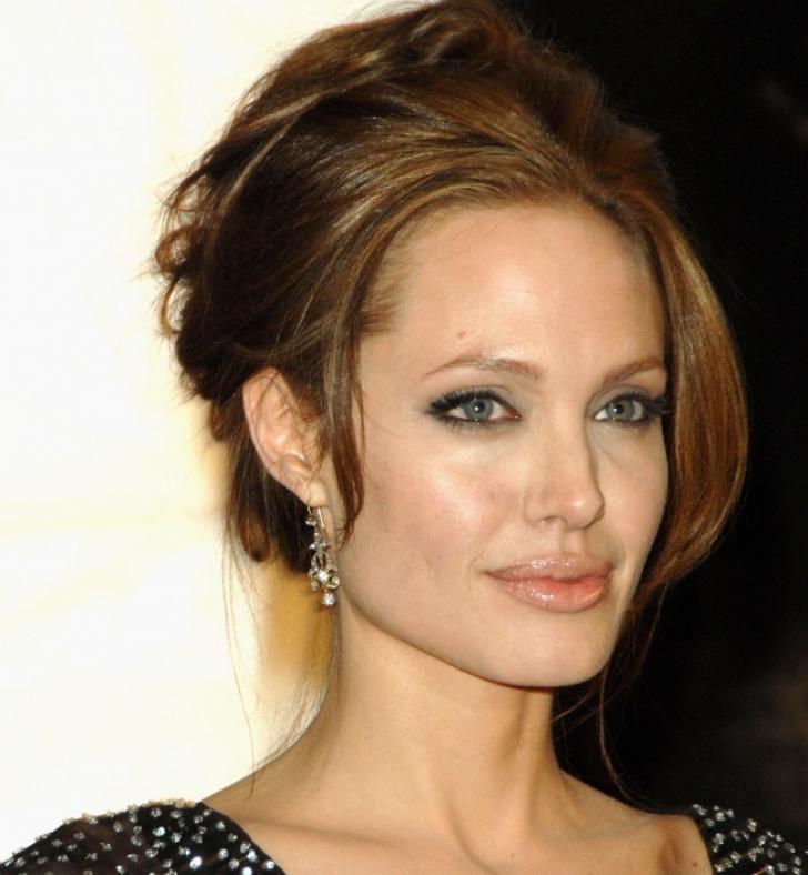 Top 10 cele mai frumoase femei din lume din ultimii 15 ani! Cine a câștigat în 2017