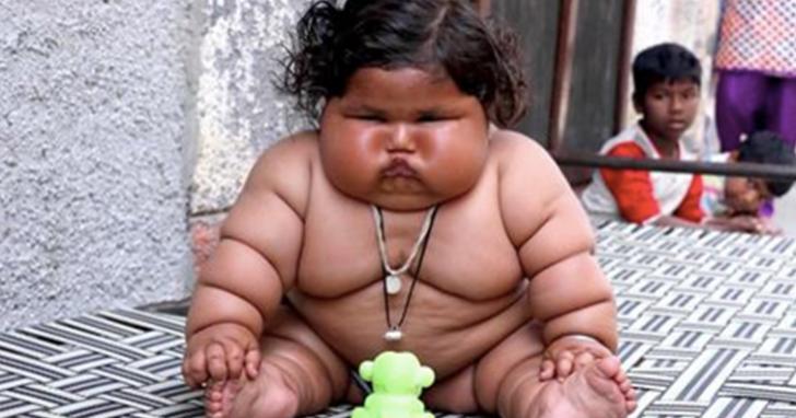 Cum arată cel mai gras bebeluş din lume. Cântăreşte 17 kilograme, la doar 8 luni