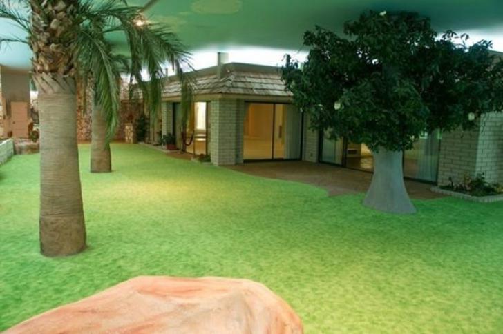 Cum arată casa subterană de 1500 metri pătraţi construită în caz de atac nuclear.Buncăr impresionant