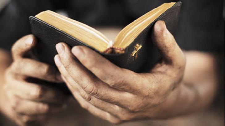 Martorii lui Iehova, scoşi în afara legii