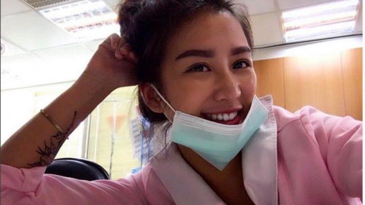 A fost desemnată cea mai sexy asistentă medicală din lume! Cum arată tânăra de doar 23 de ani