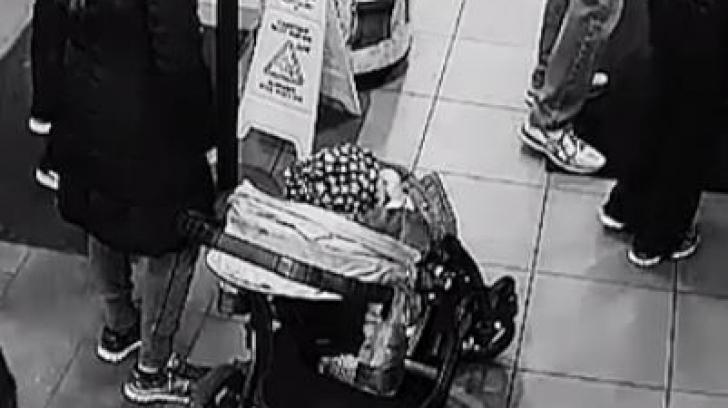 Imagini șocante. Un bebeluș e la un pas să fie răpit, chiar de lângă părinți