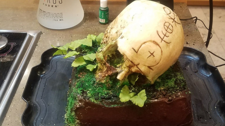Este delicios, dar arată înfiorător. Ai mânca un astfel de tort?