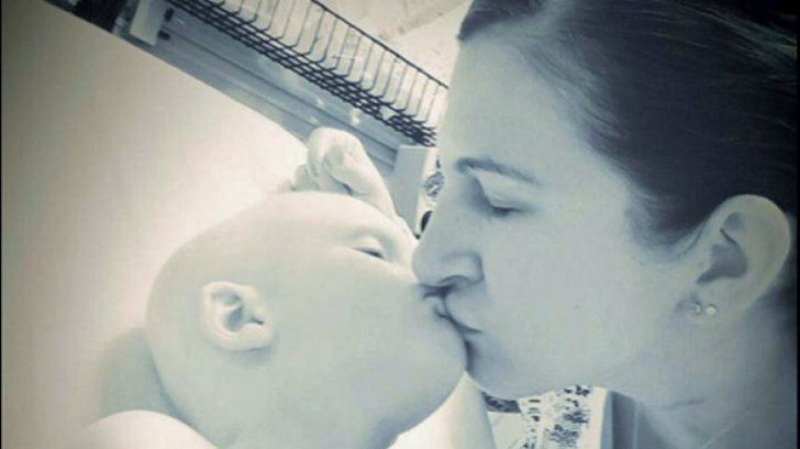 O formă rară de cancer i-a răpus copilul! Este şocant ce a postat pe Facebook după doar două luni