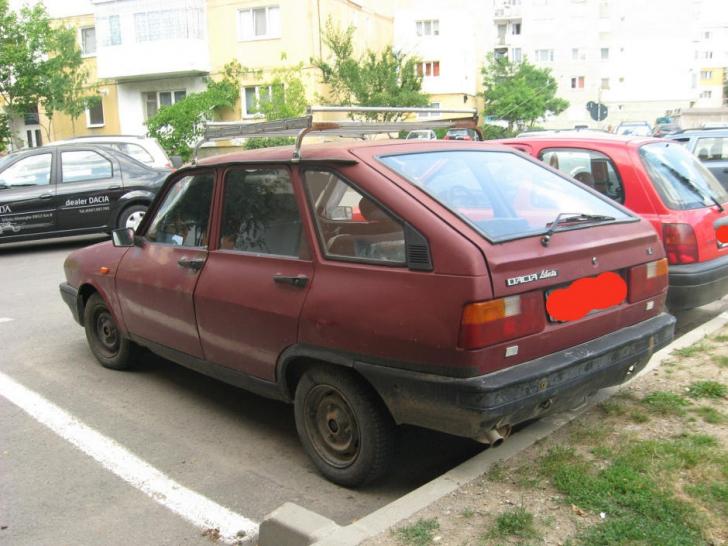 Vă amintiţi de ORIBILA Dacie hatchback Liberta? Prototipul ei e chiar mai urât. Modelul ascuns