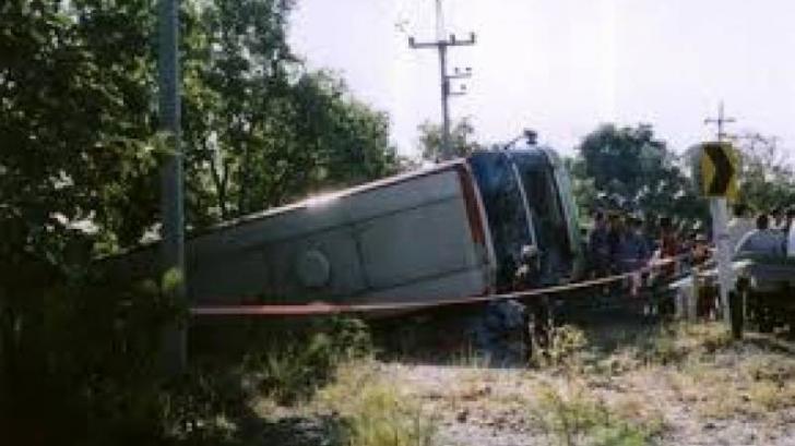 Cel puțin 11 morți într-un accident rutier în Pakistan. Un microbuz s-a prăbușit într-o râpă