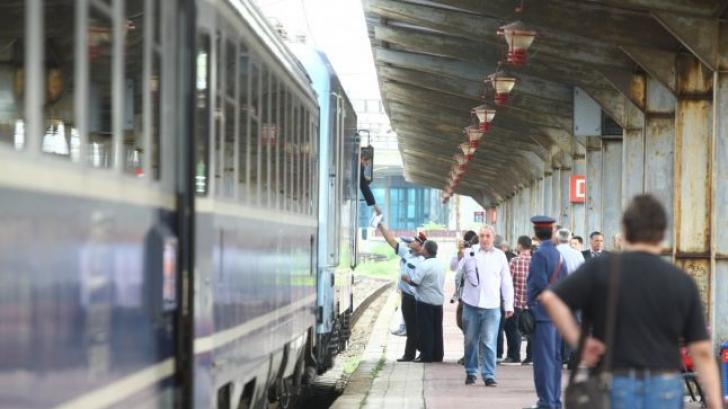 1 MAI muncitoresc cu trenul prin toată ţara. Vagoanele sunt pline. Ce decizie a luat CFR