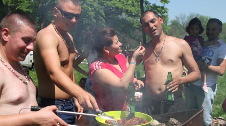 Weekend-ul prelungit de 1 Mai a început! Iată cum au ales românii să sărbătorească minivacanţa