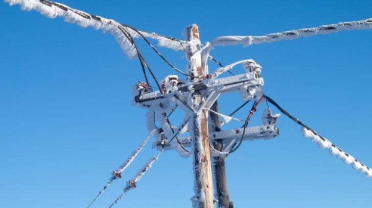 ZECI de localităţi din judeţul Vaslui sunt încă fără energie electrică