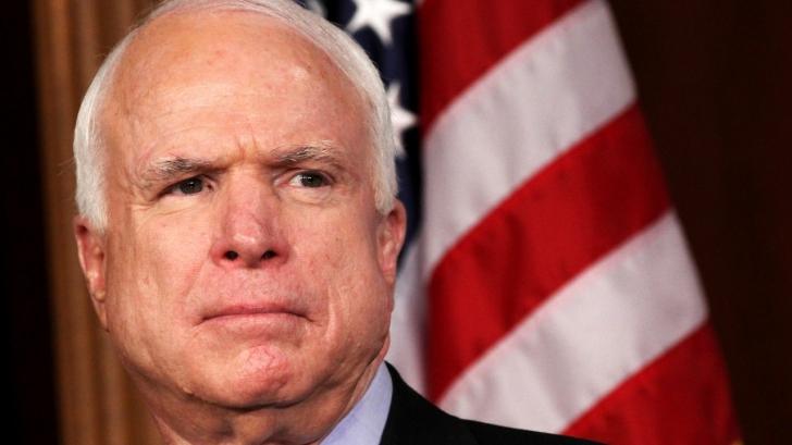 Critici dure: John McCain susține că Trump e parțial răspunzător pentru atacul din Siria