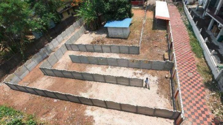 Proprietarul unui bar a construit un labirint în jurul localului. Motivul este de-a dreptul bizar