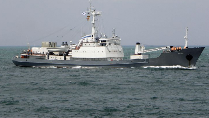 O navă militară rusească s-a scufundat în Marea Neagră după ciocnirea cu un cargo plecat din România