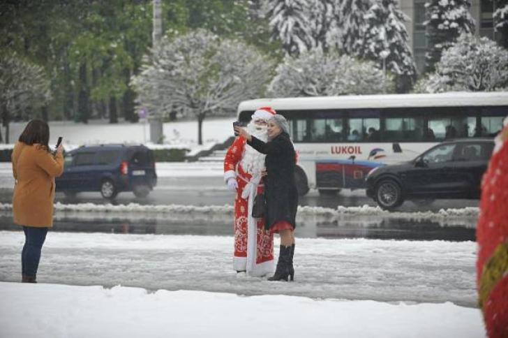 Scene INCREDIBILE surprinse în Chişinău, în luna aprilie