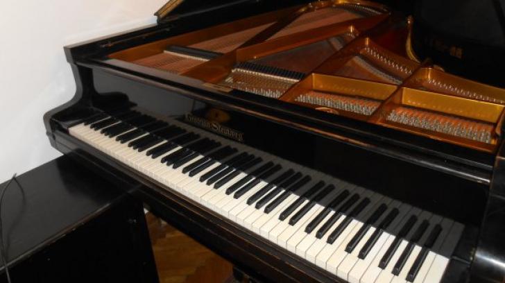 Descoperire neobișnuită în interiorul unui pian! Oamenii de știință spun că este vorba de o comoară