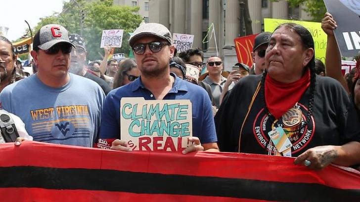Manifestații anti-Trump și pro-mediu la Washington. Leonardo DiCaprio mobilizează protestatarii