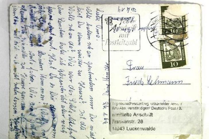 O scrisoare pierdută a ajuns la destinaţie după 54 de ani. Cine a trimis-o şi cui îi era destinată