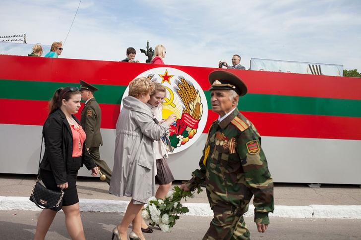 Fotografii dintr-o ţară care nu există. Cum e viaţa oamenilor din Transnistria