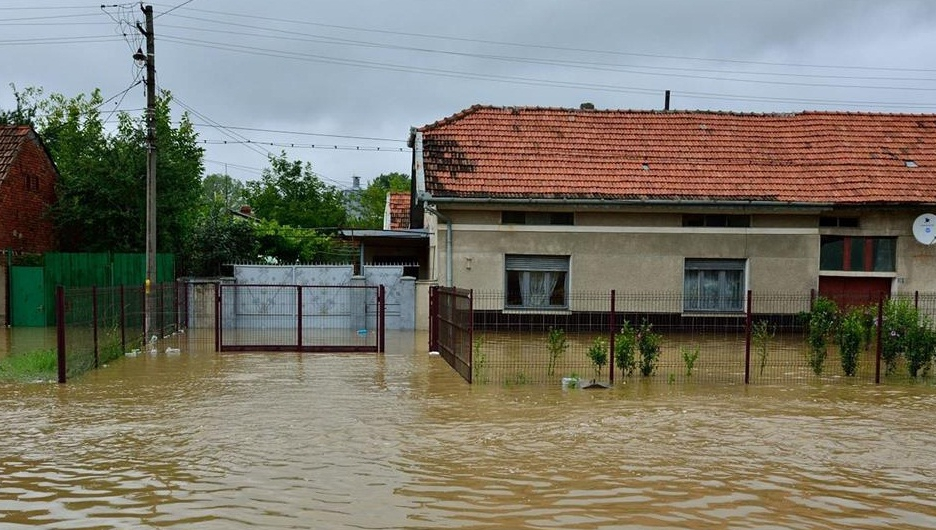 Potop într-o comună din Caraş Severin: 87 de gospodării, inundate