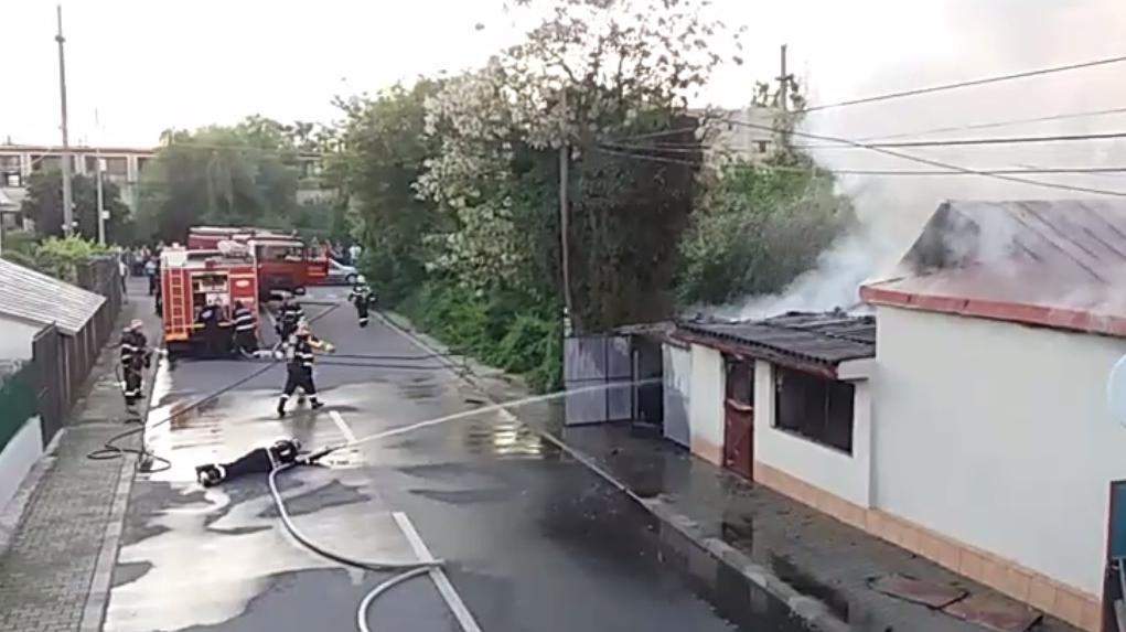 Un bărbat şi o femeie au murit vineri dimineaţă în...  |Incendiu Chitila