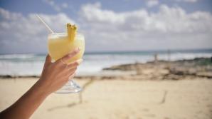 Un pahar cu apă de ananas pe zi îţi curăță ficatul și colonul. Cum se administrează CORECT