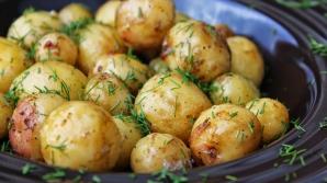 Cea mai delicioasă reţetă cu cartofi noi. Trebuie neapărat să o încerci!