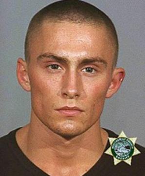 Când a fost arestat prima dată, avea chip de fotomodel. După 14 ani, a ajuns UN MONSTRU! Motivul?