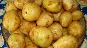 Nu mai curăţa cartofii noi de coajă!