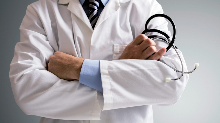 Declaraţia şoc a unui medic. Ce ucide mai mulţi oameni decât alcoolul şi fumatul la un loc