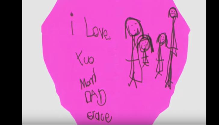 La 3 zile după moartea fetiței, mama a găsit în sertarul ei de șosete biletul straniu. A înțeles tot