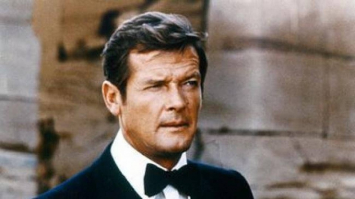 Roger Moore a murit