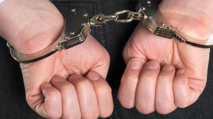 Poliţiştii au reţinut pentru agresiune 2 sportivi de kickboxing.Când au văzut pe cine au bătut, ŞOC!