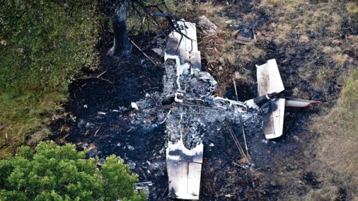 Un avion de mici dimensiuni s-a prăbuşit: au murit 3 oameni