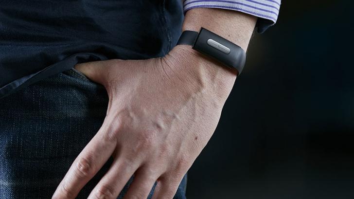 Gadget-ul care nu te lasă să-ți cumperi prostii atunci când ești beat