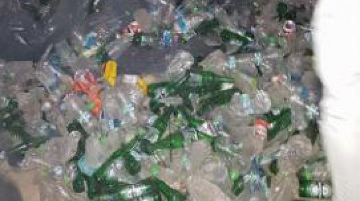 După o petrecere de pomină au rămas munţi de gunoaie! Cum arată staţiunea Mamaia