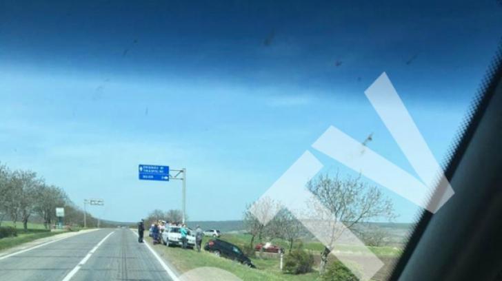 Grav accident pe o şosea din Moldova. Poliţiştii, uimiţi când s-au apropiat - CINE era la volan