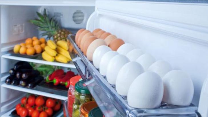 Nu mai depozita niciodata ouale pe usa frigiderului! Iata care este motivul