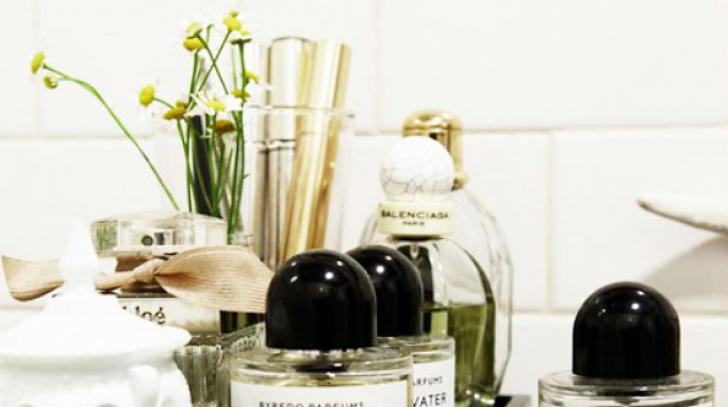 Ce se întâmplă dacă ții parfumul în baie. Nu vei mai face asta niciodată