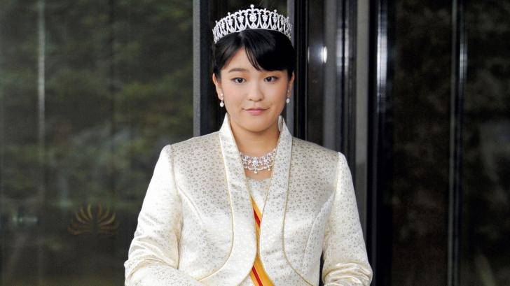 O prinţesă a renunţat la statutul regal pentru a se căsători cu un tânăr din popor