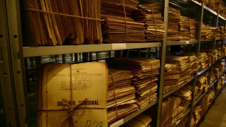 Noi dezvăluiri despre arhiva SIPA. Informaţii despre un fost preşedinte şi doi premieri