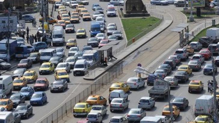 Propunerea făcută de un edil de sector: Doar aşa vom scăpa de aglomeraţie şi trafic în Bucureşti
