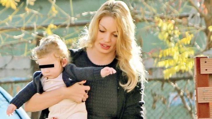 Cristi Borcea şi Valentina Pelinel şi-au botezat copilul
