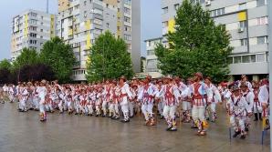 FOTO: Ansamblul Folcloric Hora - Drăgăneşti Olt
