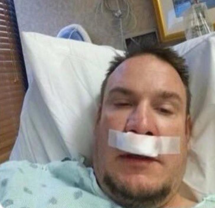 A ieşit din comă după 3 luni în care a fost crezut aproape mort. A scris imediat un SMS INCREDIBIL