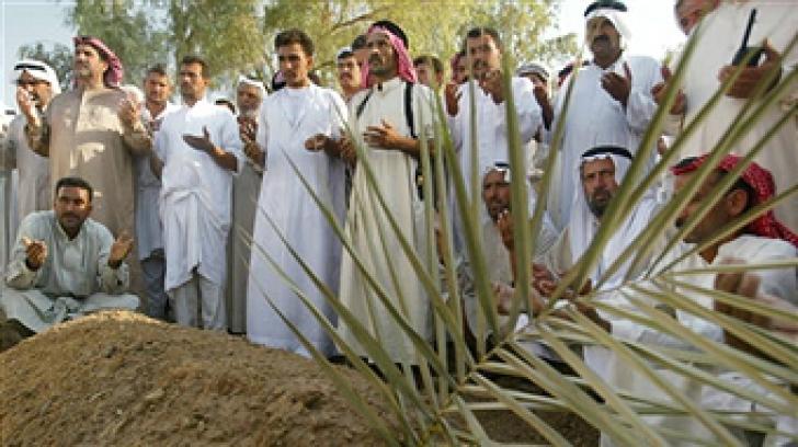 Tragedie la o înmormântare din Irak. Salvele de pușcă în memoria decedatului au făcut două victime