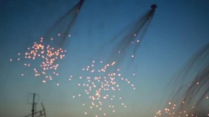 """""""Număr uluitor de civili uciși"""" în raidurile aeriene de la Raqqa. Americanii folosesc arme cu fosfor"""