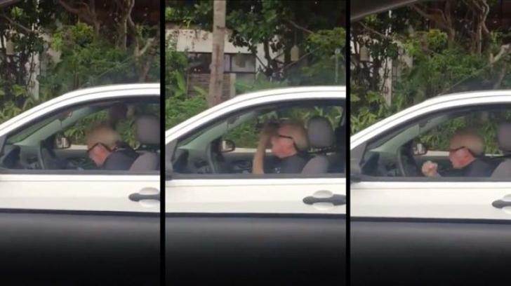 Imagini HALUCINANTE! Un bunic a surprins pe toată lumea din trafic.Ce făcea el la volan pe Metallica