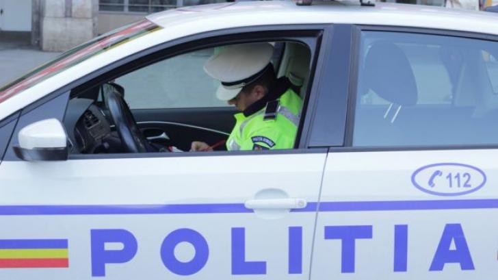 Ce au găsit poliţiştii din Braşov la un control într-un microbuz care transporta persoane