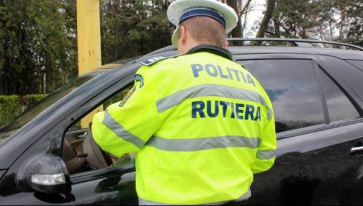 Şofer din Alba REŢINUT după ce a lovit trei pietoni cu maşina intenţionat. Motivul e ireal!